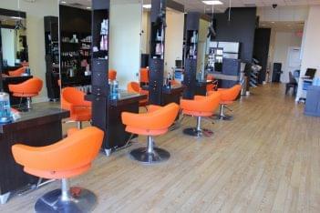 Moxie Blue Makup in Marlton NJ haircut station