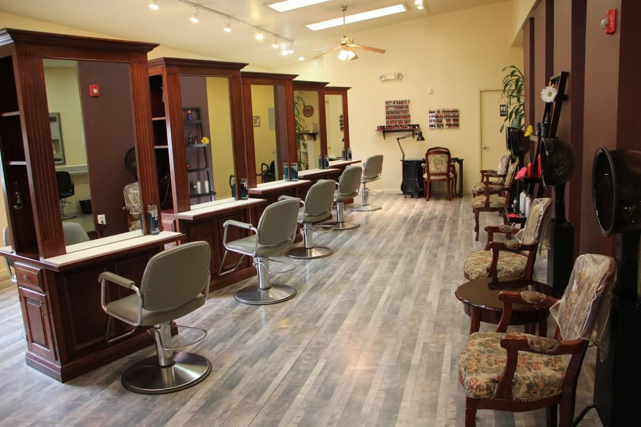 Beau monde hair design see inside salon collingswood for Salon stations