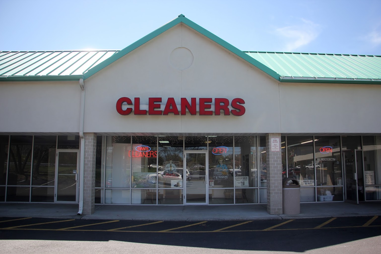 store front Dan's Quality Cleaners Moorestown, NJ