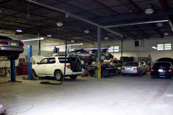 auto garage of I Service Imports LLC Car Repair Shop, Cherry Hill, NJ