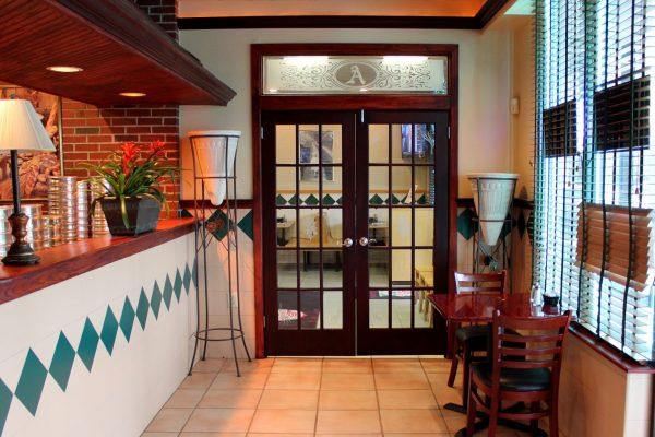 entrance Angelo's Pizzeria Larchmont Mt Laurel, NJ.jpg