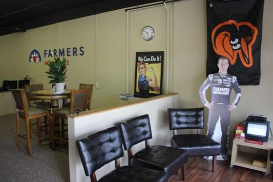 Connolly farmers insurance agency see inside business for Decor agency