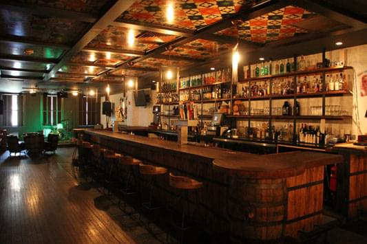 The Twisted Tail – See-Inside Restaurant Bar, Philadelphia, PA