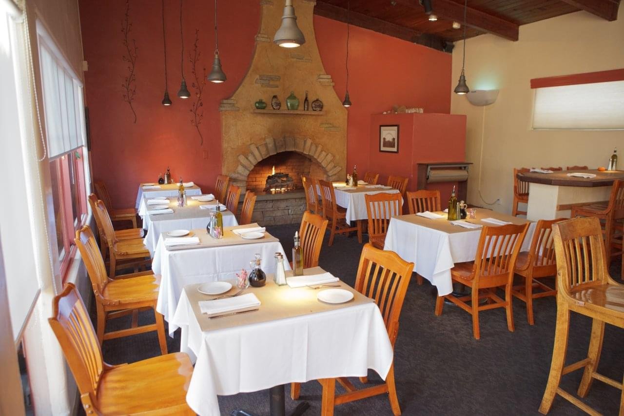 cafe-cruz-soquel-dining-room