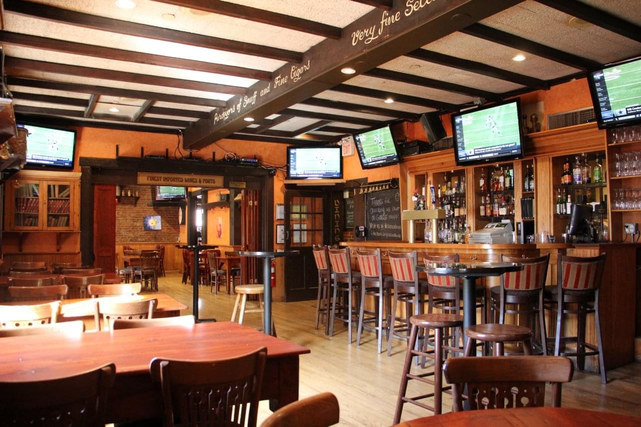 Cavanaugh's Headhouse Square – See-Inside Restaurant, Philadelphia, PA
