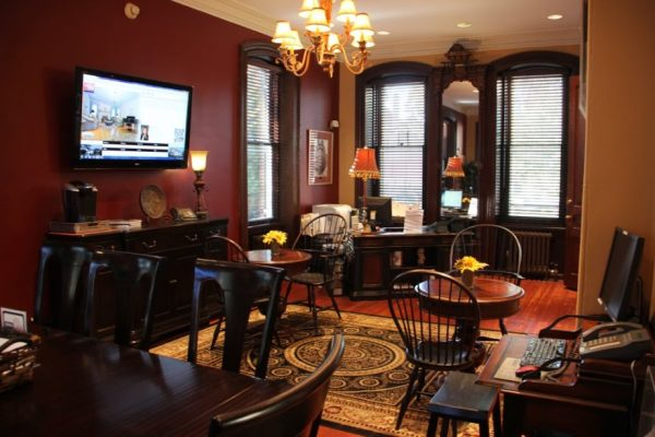 Long & Foster Real Estate interior office