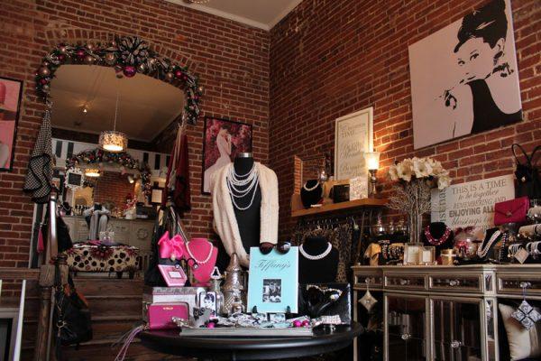 Pearl-Clutch-Haddonfield-NJ-audrey-hepburn-exposed-brick-wall-jewelery-accessories