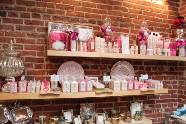 Pearl-Clutch-Haddonfield-NJ-exposed-brick-wall-lotion-picture-frame-loofah-luffa