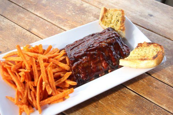 Whistler's Inn Cinnaminson NJ bbq ribs garlic bread sweet potato fries