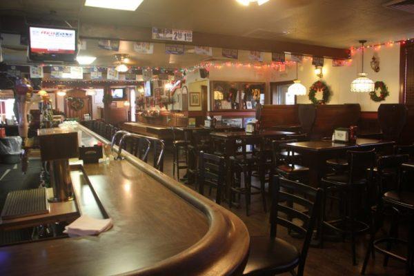 Whistler's Inn Cinnaminson NJ inside bar seating