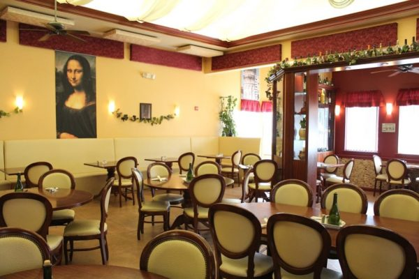 Casamari Restaurant Burlington NJ interior table seating mona lisa