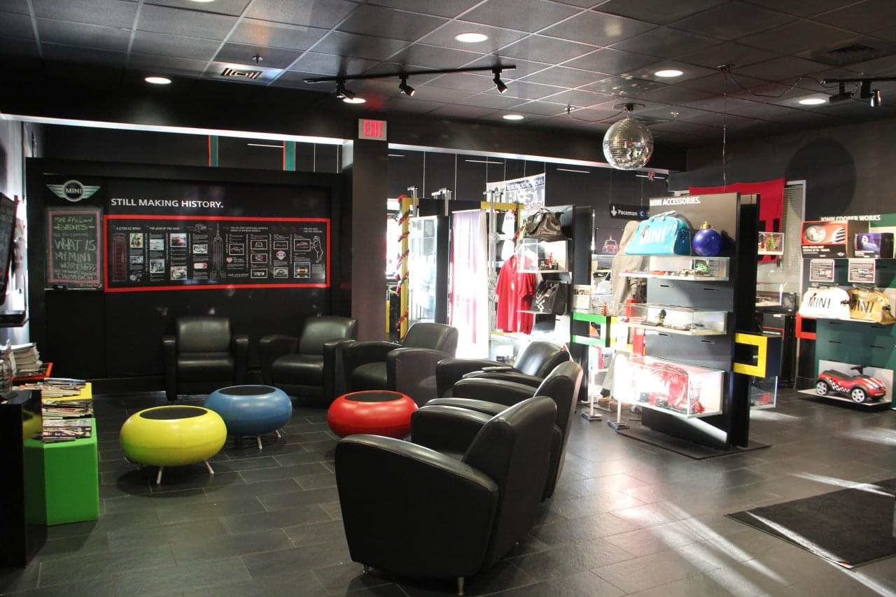 Car Repair Lounge