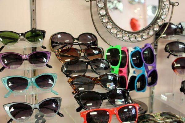 heathers-clothing-accessories-sunglasses-marlton