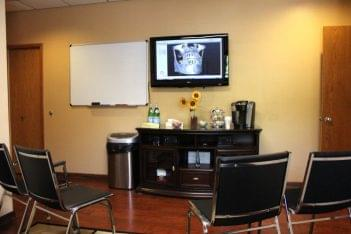 Dr. Alan Meltzer and Associates Voorhees NJ waiting room teeth x-ray