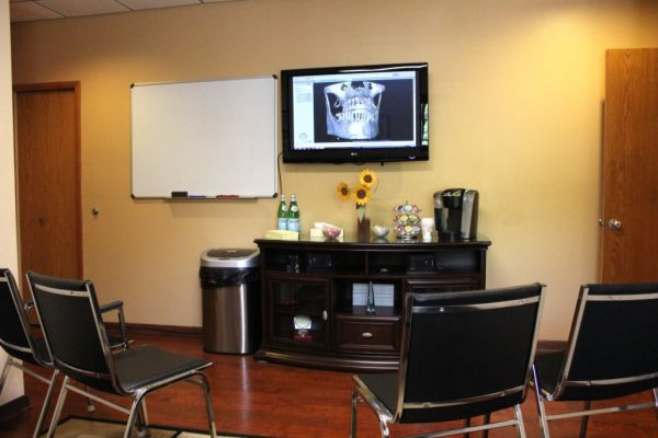 Dr. Alan Meltzer and Associates Voorhees NJ waiting room teeth x-ray