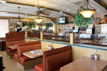 Elmer Diner Elmer NJ booths