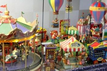 Ice Cream Parlour Cherry Hill NJ carnival fair ground miniture carousel ballon ride