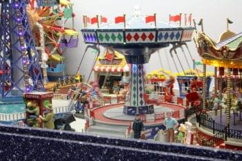 Ice Cream Parlour Cherry Hill NJ carnival fair ground miniture carousel ferris wheel spinning swing ride