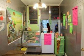I's Cafe House New Brunswick NJ bubble boba tea order menu counter