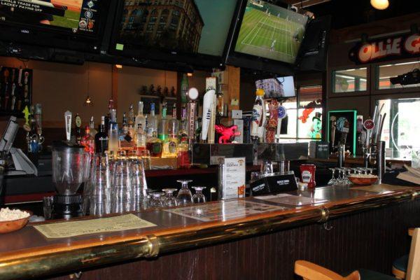 Ollie Gators Pub Berlin NJ bar counter