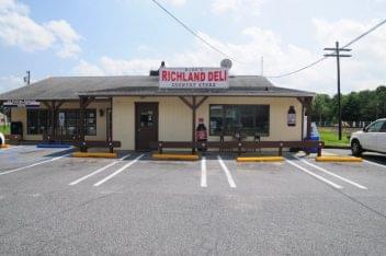 Richland Deli store front