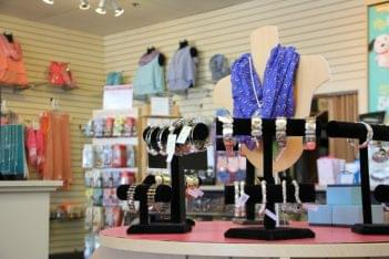 Ruth's Hallmark Cherry Hill NJ womens accessories