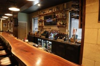 Vetrano's Italian Restaurant Westerly RI bar
