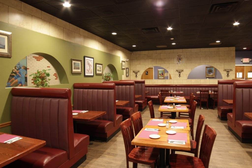 Vetrano's Italian Restaurant Westerly RI booths tables