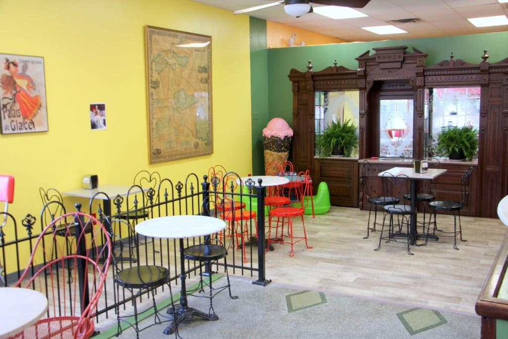Vincent's Ice Cream Shop Mt Holly NJ seating