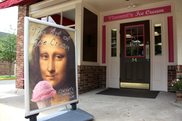 Vincent's Ice Cream Shop Mt Holly NJ store front mona lisa