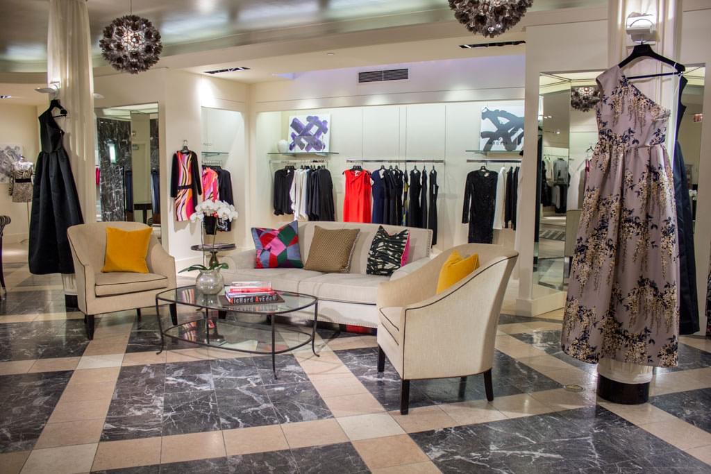 Boyds, Philadelphia PA – See-Inside Clothing Store