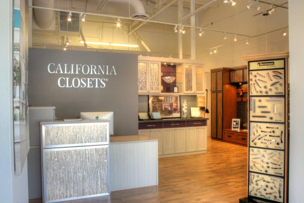 California closets see inside interior design roseville for Interior design 08003