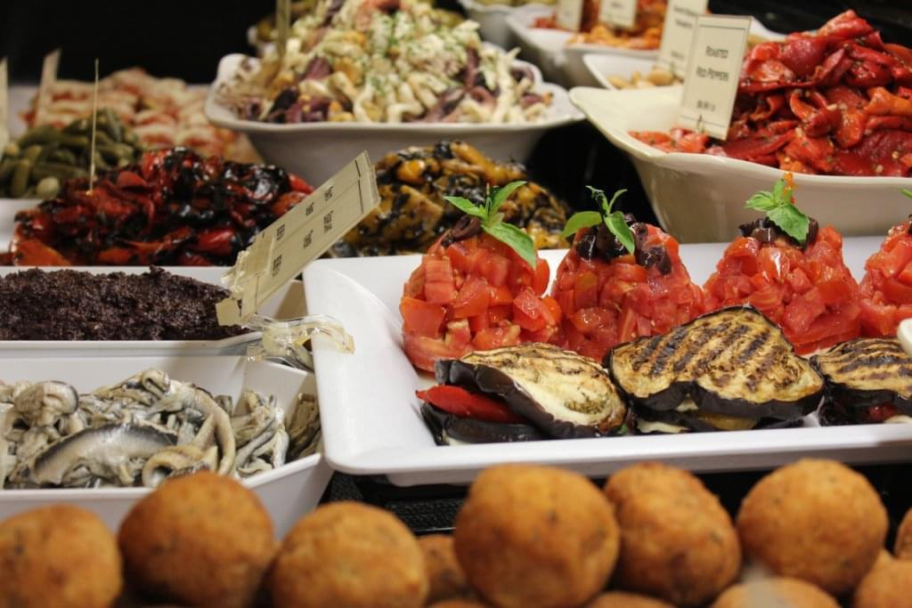 Di Bruno Bros. – See-Inside Gourmet Grocery Store, Philadelphia, PA