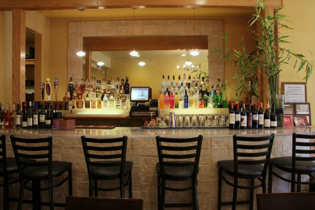 Evelyn's Restaurant New Brunswick NJ bar