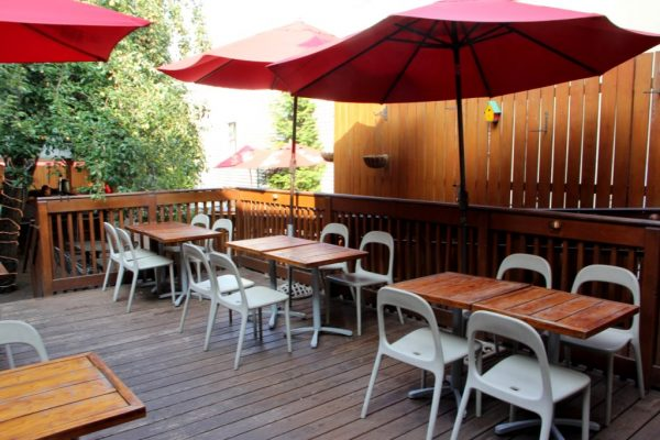 Evelyn's Restaurant New Brunswick NJ outdoor patio seating bar