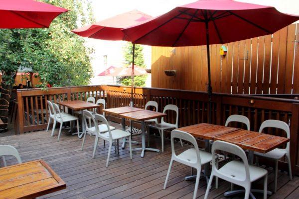 Evelyn's Restaurant New Brunswick NJ outdoor patio seating bar