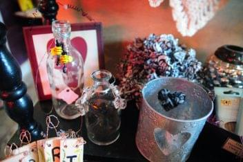 The Candlewyck Cottage Absecon NJ decorated bottles