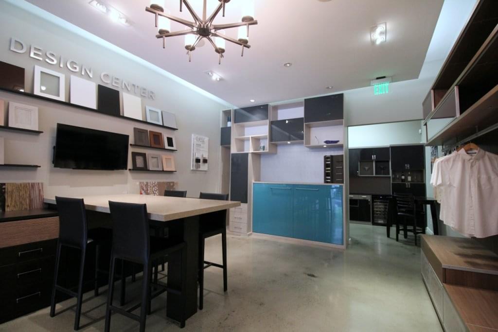 California closets see inside interior design los for Interior design 08003