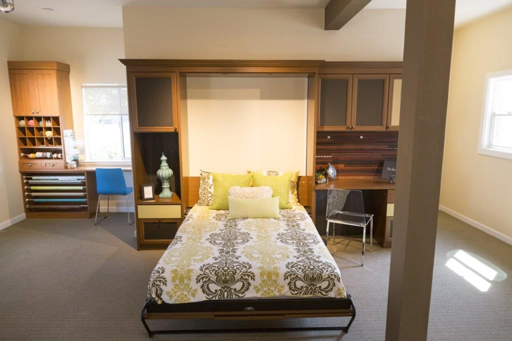 California closets see inside interior design walnut for Interior design 08003