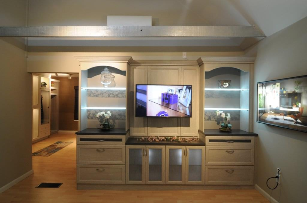 California closets see inside interior design norwalk for Interior design 08003