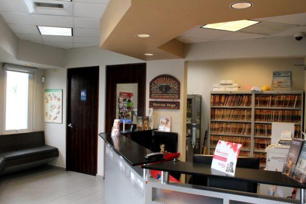 Centro Medico Veterinario Veterinary Care Guaynabo Puerto Rico Veternarian front desk