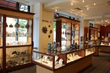 Fire & Ice Oxon Hill MD jewelry display