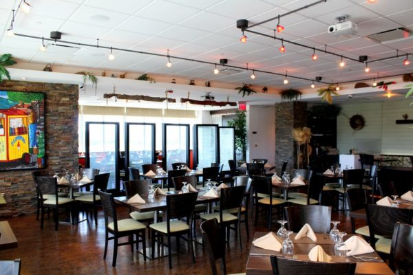 Restaurante Moriviví Cagaus, Puerto Rico Caribbean Restaurant seating