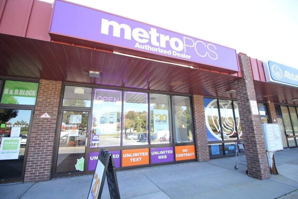 MetroPCS, Sicklerville NJ – See-Inside Cellphone Store