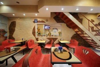 Joe's Pizza Philadelphia PA seating