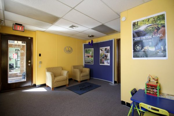 Allstate Insurance Sas Tursun Bensalem PA waiting room