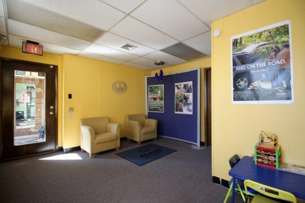 Allstate Insurance Sas Tursun Bensalem PA waiting room