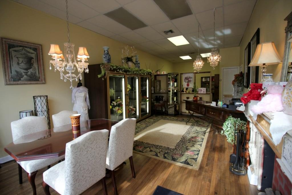 Asters Floral Shop, Collingswood, NJ – See-Inside Florist