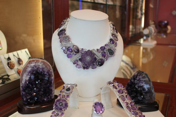 Fire & Ice Philadelphia Airport Terminal F Jewelry Store Amethyst necklace