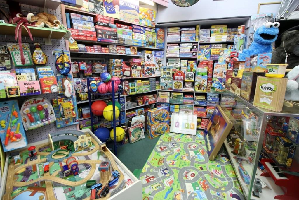 Happy Hippo Toys, Haddonfield NJ – See-Inside Toy Store